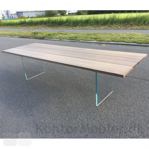 Global plankebord med glasstel i kraftigt grøntonet glas