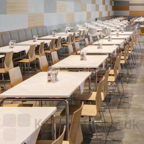 Four Real 74 kantinebord med hvid bordplade og krom ben