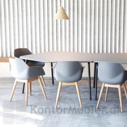 Four Real 741 Flake mødebord med bordplade i lys grå med sorte ben