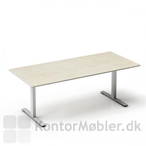 Delta hæve sænke bord med bordplade i ahorn og alu stel.