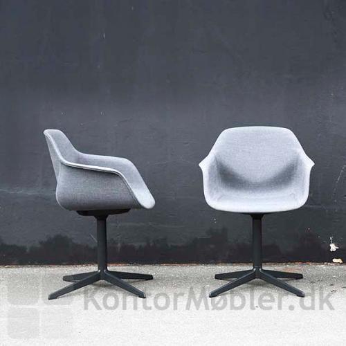 FourMe mødestol med fuldpolstring giver stolen et varmt look