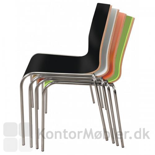 Spela lamineret træskal stol fås i mange farver og er super praktiske da de kan stables.