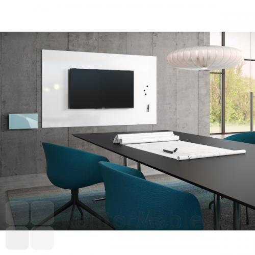 Air TV whiteboard kombinerer tv og whiteboard i én samlet løsning. Her ses også Mood Box til opbevaring af tilbehør.