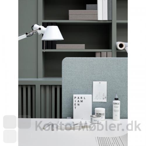 Edge bordskærm, frontmonteret i grå.