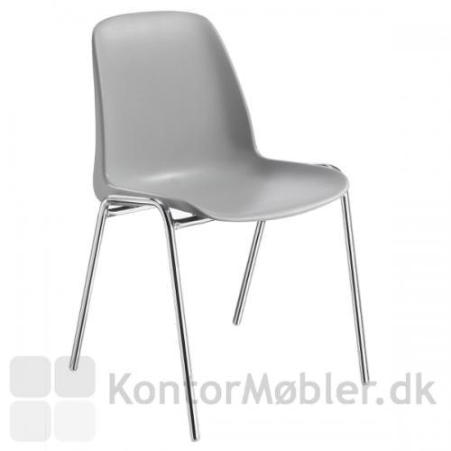 Selena plastic stol kan vælges i mange farver, her er vist den klassiske farve lyse grå