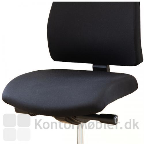 Siff kontorstol er ergonomisk med synkron mekanisme og sædehældning. Sædet kan dybdejusteres og du kan derudover nemt vægtjustere sædet.