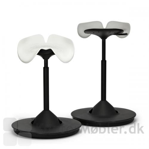 Backapp Hipp ståstøttestol har et formstøbt sæde med god komfort