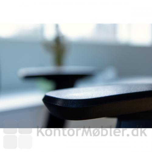 Thor Ergonomisk kontorstol med justerbare solide armlæn
