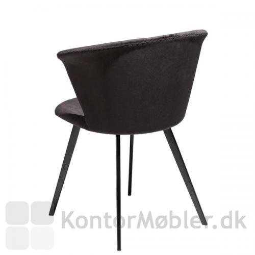 Merge restaurantstol fra Dan-Form i velour, bemærk ryggens yderside, er helt enkel
