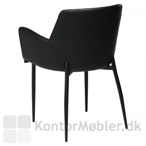 Rombo armstol i sort Vintage kunstlæder og med sorte ben. En flot og enkel ryg pryder stolen.