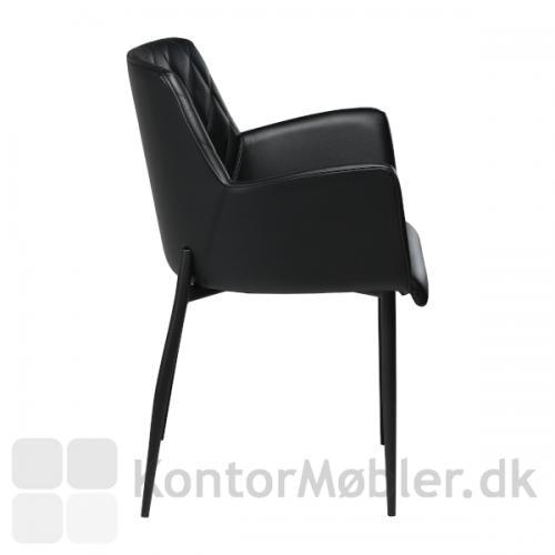 Rombo armstol i læder fra Dan-Form, flot fra alle vinkler.