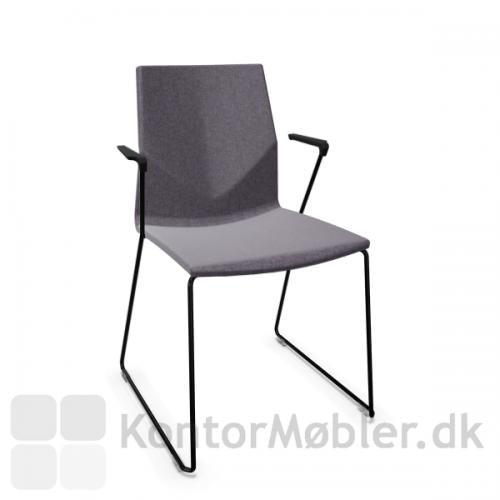 FourCast´2 Line mødestol fuldpolstret med sort stel