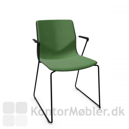FourSure 88 mødestol med sort stel og polstret med Cura i grøn