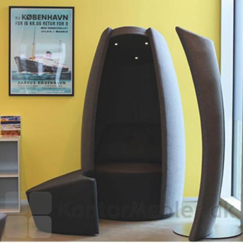 Cocoon stol kan placeres i hjørnet af rummet