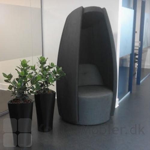 Cocoon stol kan placeres i gangen