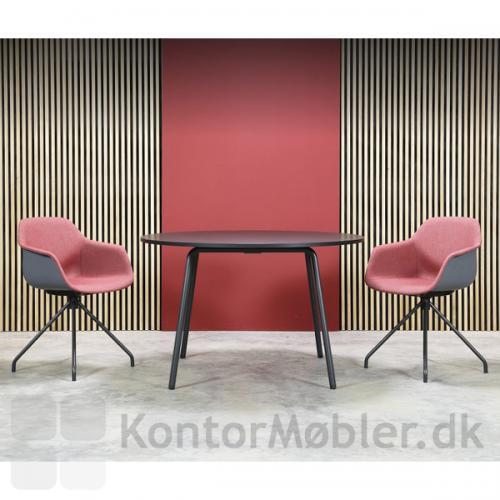 FourMe 11 mødestol med skal og ben i sort, samt indersidepolstring