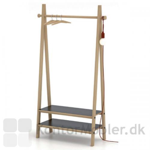 Friis og Moltke Timber garderobe