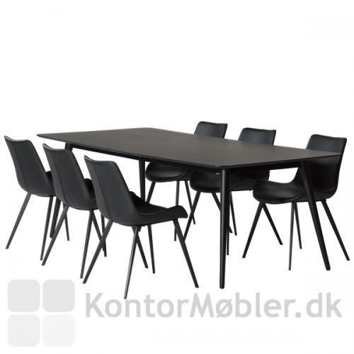 Pheno sortbejdset mødebord rummer plads til 6-8 personer og er også perfekt som spisebord.