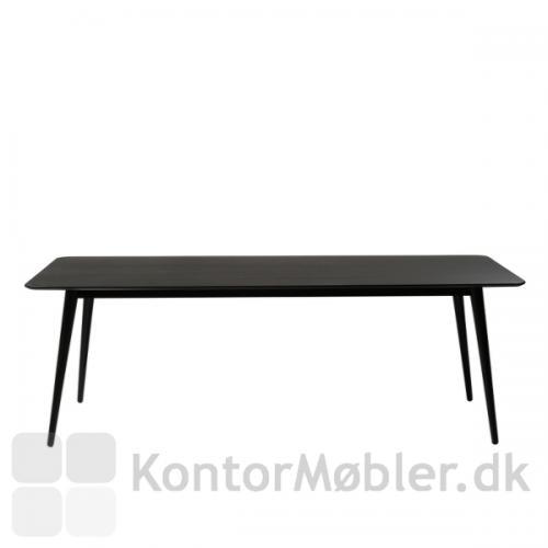 Pheno mødebord er i sortbejdset asketræ, og er i flot klassisk design.