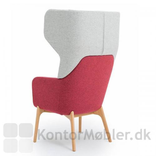 Harc Tub loungestol med høj ryg og egetræs ben - elegant ryg
