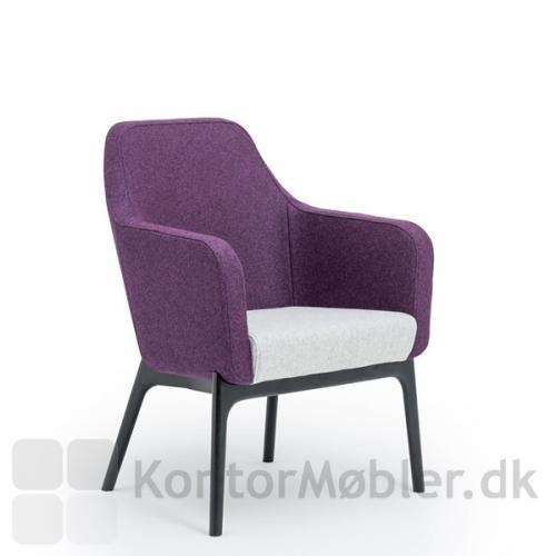 Harc Tub loungestol med lav ryg og ben i sort eg
