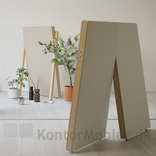 Design skærmvæg med lyddæmpning kan bruges som rumdeler i indretningen