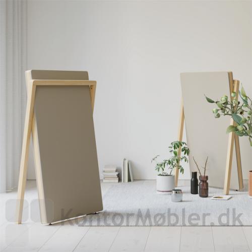 Lyddæmpende design gulvskærm fra Dencon er smuk og enkel i indretningen