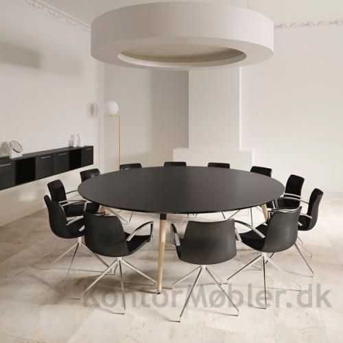 XL konferencebord med rund sort bordplade og Frej stole
