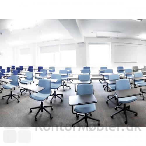 Four Sure 66 stol med innotab, giver mulighed for undervisning eller konference i store som små lokaler