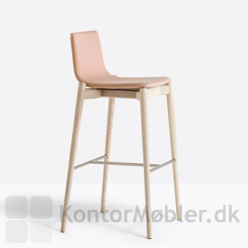 Malmö barstol polstret med Breeze Fusion polstring fra Gabriel