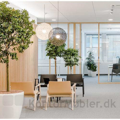 Malmö loungestol polstret med regenereret læder