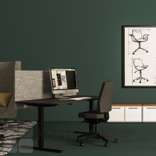 Delta hæve-sænkebord med sort linoleums bordplade og sort stel