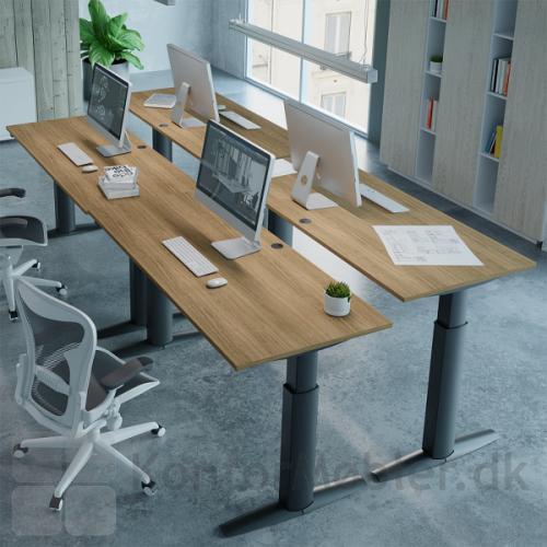 Conset 501-23 hæve sænke bord med bordplade i valnød melamin og sort stel