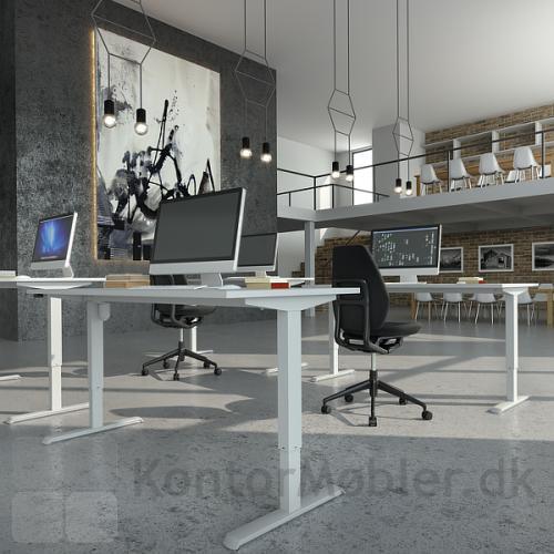 Conset 501-33 hæve sænke bord med hvid bordplade og hvidt stel