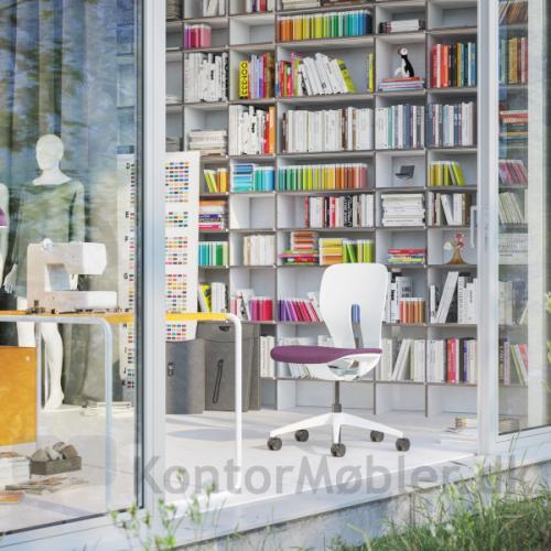 LIM kontorstol kan købes med udskiftelige farvede sæde- og rygpolstringer.