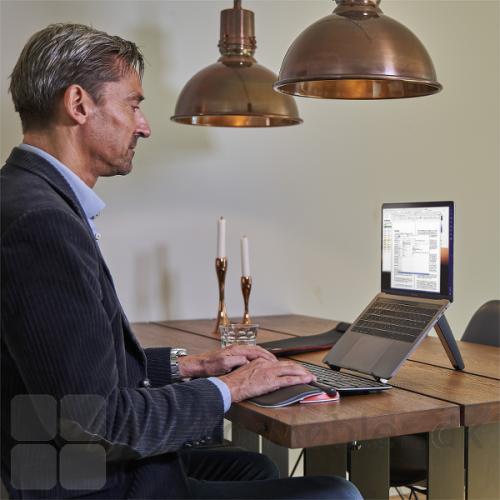 Contour Travel Kit trådløs arbejdsplads på café eller hjemme