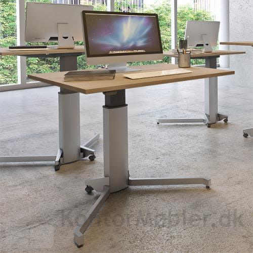 Conset 501-7 enkelt søjle hæve sænke bord med rektangulær bordplade i bøg melamin