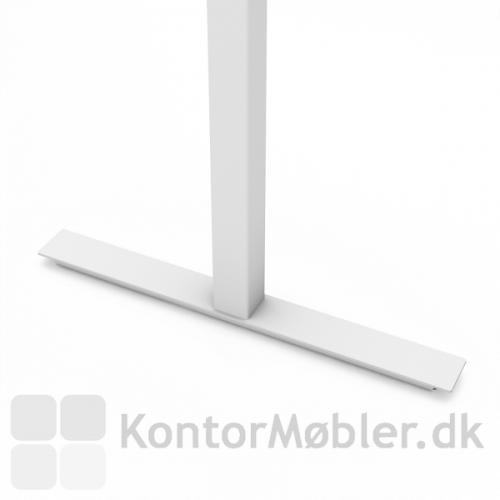 Videomøde bordet kan vælges med kvadratiske søjler i feks. hvid