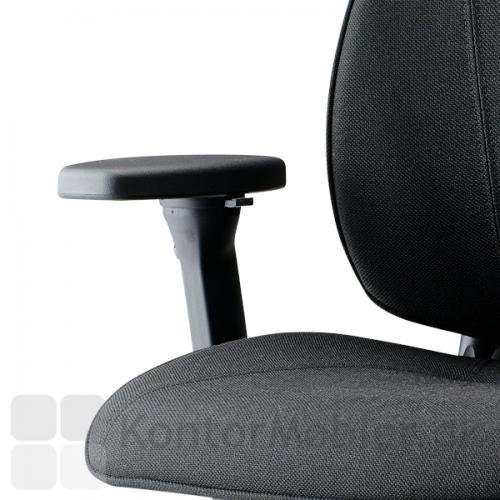Lanab Challenge 6330+ kontorstol med justerbare og lækreste, slidstærke Select polstringarmlæn
