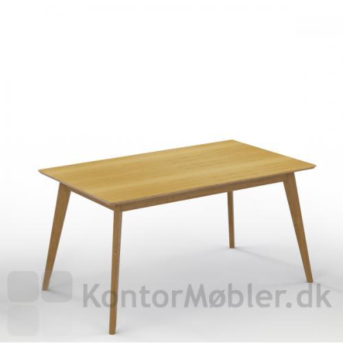Madrid konferencebord med bordplade i eg finér og massive egetræs ben