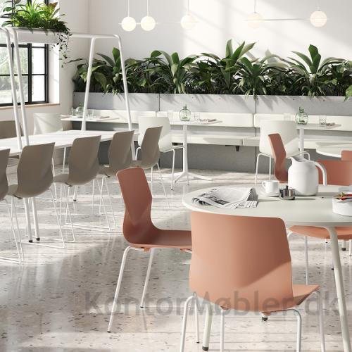 Four Sure kantinestol til indretning af kantine - spændende indretning i lyse farver