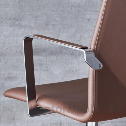 Four Cast XL elegant kontorstol med polstret armlæn