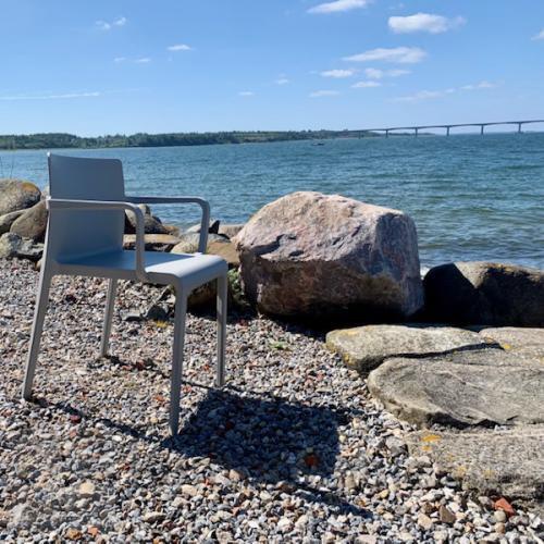 Volt kantinestol er også til udendørs brug