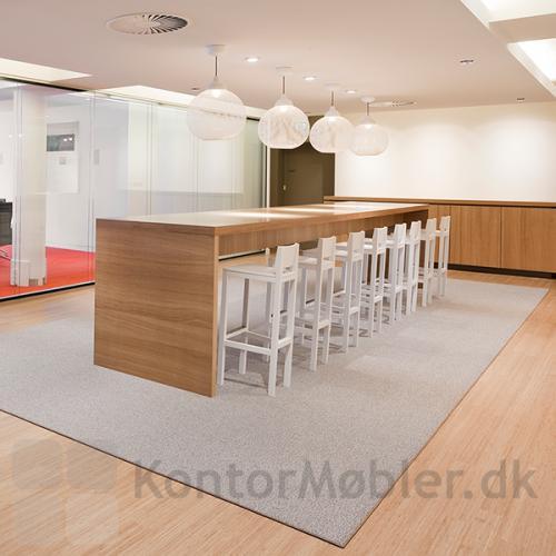 Kontortæppet giver indretning et hyggelig og indbydende udseende - mange muligheder