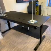 Delta hæve sænke bord
