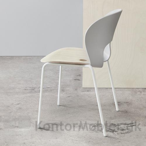 Magnus Olesen Ø Chair kan skilles ad og delene kan sendes ind til Magnus Olesen og udskiftes
