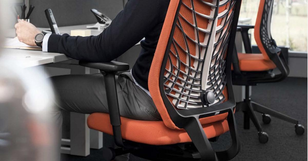 Hvorfor skal man investere i en god ergonomisk kontorstol?