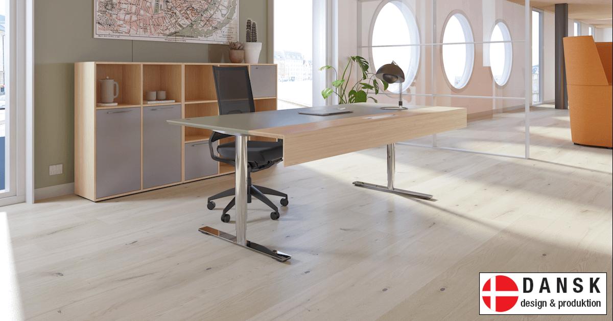 Vi har danske designer møbler og produktion