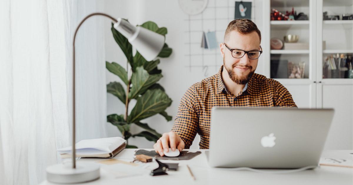 3 tips til at forbedre ergonomien, når du arbejder hjemmefra