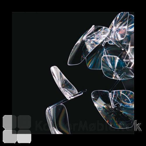 De specielle Fresnel-linser giver Hope det lette udtryk og bløde reflekterende lys
